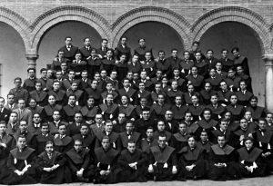 antiguos colegiales Historia real colegio mayor san bartolome y santiago